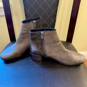 Eric Michael Women's Boots Sz 8 WORN ONCE!!!